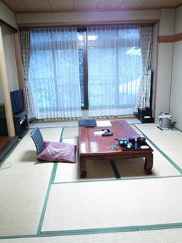 明賀屋本館部屋.JPG