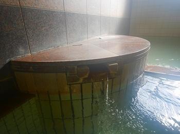 鶴の湯浴室2.jpg